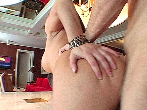Olivia O'Lovely gets fucked